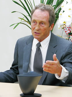 イゴール・スミルノフ博士